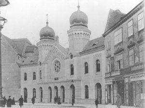 Jubiläumstempel ca. 1900|2019. Der Kaiser Franz Joseph-Regierungsjubiläums-Tempel in der Siebenbrunnengasse war eine Vereinssynagoge des Vereins Beth Aharon...