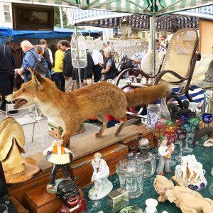 Happy weekend all✨😎💙🌾🌺🌱☕️☕️🎶🎶💦💨⚜️🔱⚜️💫👋🏻 #antiqueart_vienna #wienernaschmarkt #flohmarkt #cafesavoy #citylife