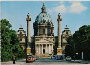 VOR DER KARLSKIRCHE SIND NOCH PARKPLÄTZE FREI! Postkarte, Mitte 1960er Jahre, Sammlung Wien ...