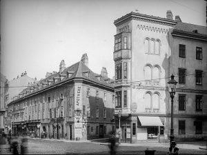 """(1904/ÖNB,Stauda/Architekturzentrum) Mietshaus """"Zum Frauenbild"""" (Apotheke zum Einhorn), Wieden, Margaretenstraße 31 , erbaut 1781 von Ignaz Gerl. Josef..."""