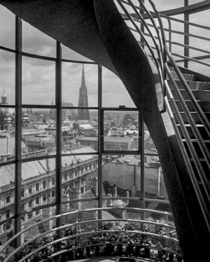 (1932/ÖNB,Gerlach/Wikipedia) Mit freundlicher Unterstützung des Hochhauses Herrengasse! hochhausherrengasse.at Das Hochhaus Herrengasse wurde nach den Plänen der Architekten...