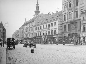 (1900/ÖNB/Wien Wiki) Wiedner Hauptstraße. Die ehemalige Alt-Wiedner Hauptstraße ist seit dem 12. Jahrhundert ...