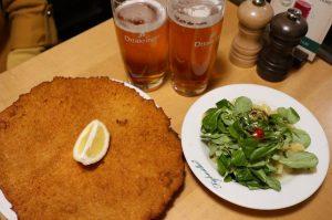 维也纳的土豆泥沙拉不能再好吃了🥗 Figlmüller (official)