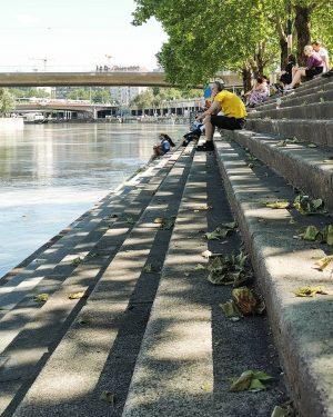 Sitzen am Donaukanal 👌😎😊  Danke @in.wien.mit.wien für dein Foto!  #wirliebenwien #wienliebe ...
