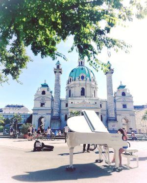 And my favorite Place again Each time I'm passing the Karlsplatz a surprise ...