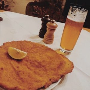 Schnitzel & Bier 🍽🍺 Unser Lieblingsmenü zu Mittag 😋 #figlmüller #figlmüllerschnitzel Vielen Dank ...