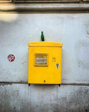 Das Bild zum Wochenende. 🖤 #happyweekend #postkasten #briefkasten #briefkastenliebe #österreichischepost #unserepost #makelovelettersgreatagain #postkastl Alsergrund