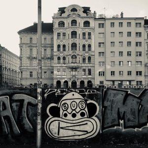 @paul.busk #street #streetart #streetphotography #urban #urbanart #urbanculture #graffiti #graffitiart #spray #spraypaintart #spraypaint #bnw ...