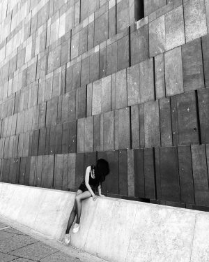 looks like posing but irl I'm just checking pigeons down there 🐦 #mumok #architecturejunkie #concrete