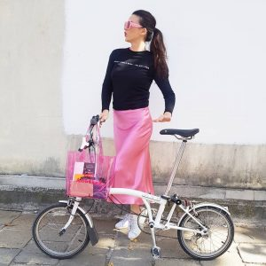 #biking in #Vienna w/my #brompton 🚲💗🇦🇹 #seeitpink #bicycle #bromptonbicycle #bromptonlovers #wien
