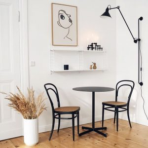 Unser Klassiker passt perfekt in das Zuhause von @__katharinamaria | Our bentwood classic fits perfectly into the...