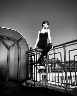 Good Morning World. * #vienna #viennesegirl #blackandwhiteimpressions #rooftop #howsmall #worldcouldbe #proudtobeyourself #sunisshining #instagood #instagramersvienna #goodmood #june #summer...