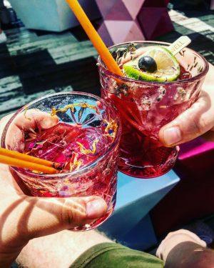 🍹 pink raspberry & blueberry twist lemonades ➡️ Lamée Rooftop in 1010 Wien ...