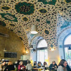CZ Tenhle strop je proste bozi. Na kafe ci lehky obed ve Videnske ...