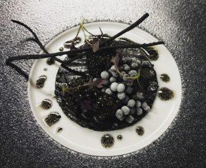 🖤black beauty🖤 #memories2013 #amador #mannheim #threemichelinstars #blackmustard #caviar #blacklentils #lustenauersenf #kutteln #schwarzerlauch #longtimeago #greattime #cheflife #lovewhatyoudo #passion