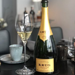A glass of Krug with delicious food ... the best you can enjoy with your colleagues👌😊#teamspirit #peoplemakethedifference...