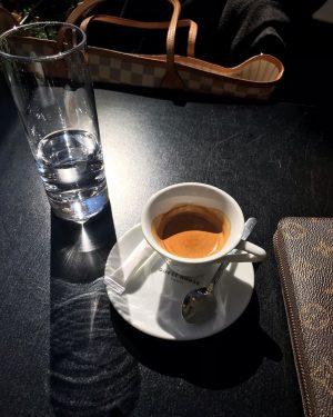 Espresso in the sun. ☕️ . . #coffeelover #espresso #wien #österreich #vienna #wienerin #austria #coffee #incoffeewetrust #butfirstcoffee...