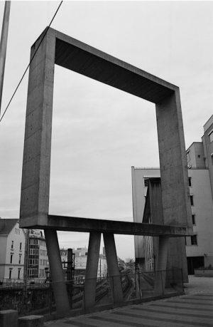 Empty concrete frame #urban #sculpture #architecturephotography #story #streetstory #life_is_street #sp #scene #streetlife #ourstreets #streetpeople #urbanstreet #ishootfilm #filmisnotdead...