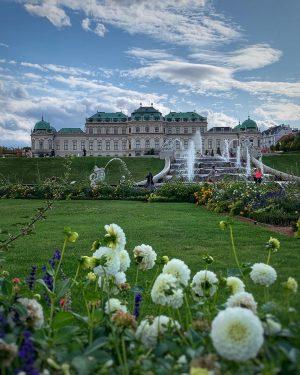 💕☀️🏰 • So wunderschön hat sich das Belvedere heute Nachmittag gezeigt! - - ...
