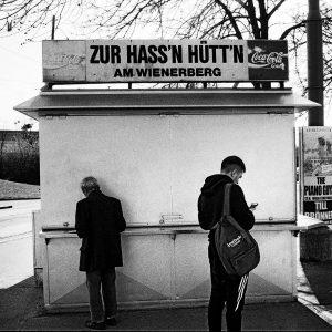 DA LETZTE SCHMÄH Teil 11: #Favoriten - Zur Haß'n Hütt'n #Wienerberg 📷 Die Fotoserie im FALTER ⠀⠀⠀⠀⠀⠀...