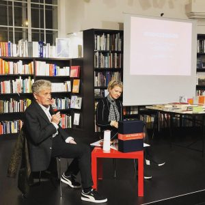 Laurids Ortner von @ortnerortner im Gespräch mit Manuela Hötzl über das Buch HAUS-RUCKER-CO: ...