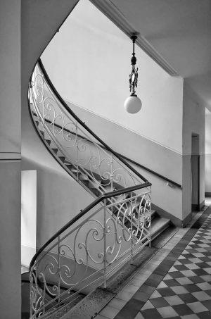 The only way is up! #tuguiaenviena #paseandoporviena #escaleras #bw #sw #bn #vintage #viennaliving ...