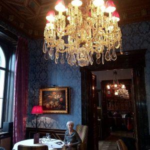 В кондитерской Gerstner с традициями с 1847 года. Gerstneri kondiitripoes. In caffè Gerstner a Vienna. Gerstner K...