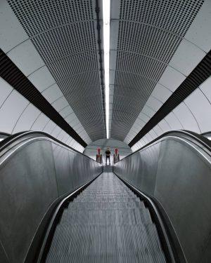 #fa_minimal #tv_simplicity #tv_pointofview #tv_tinypeople #minimal_int #republic_of_symmetry #minimal_perfection #paradiseofminimal #creativeoptic #accidentallywesanderson #architecture_minimal #tv_buildings #jj_symmetry #jj_architecture #raw_architecture #ihaveathingforminimal #sneeed...