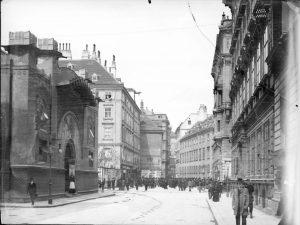 Zedlitzhalle 1904|2019. Als Markthallen in der Roßau und in der Landstraße errichtet wurden, gab es ab 1860...
