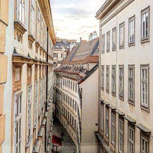 [Werbung | Instawalk @igersaustria.at] Der Blick aus einer von Mozarts Wiener Wohnungen ist doch durchaus nett ;)...