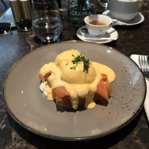 Super creamy poached eggs with smoked salmon and hollandaise sauce 🍳😋 - - - - - -...