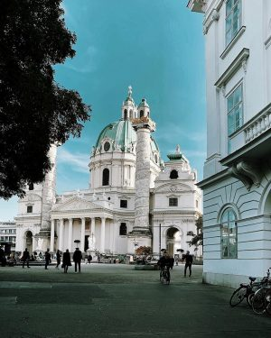 ➕ ⠀ ------------⠀ ⠀ ⠀ #500px #feelaustria #theweekoninstagram #diewocheaufinstagram #liveauthentic #Vienna #streetstyle #fujixseries #streetsofvienna #wonderful_places #ig_austria #igersvienna...