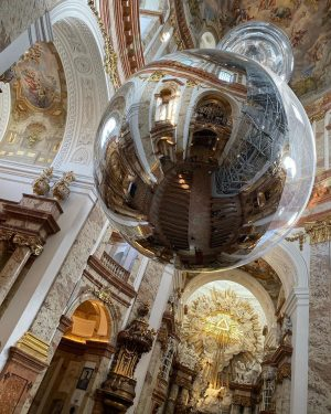 Super mirrored sphere installation in #karlskirche Karlskirche, Wein