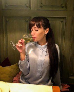 Сегодня мне 29 и я пью целый день😂 ⠀ ⠀ ⠀ ⠀⠀ #vienna ...