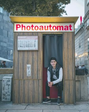 My photos are ready in 5 mins 🕑 . #wien🇦🇹 #vienna #vienna_city #vienna_austria #wien #photography #trip #europe2019...