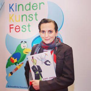 Mist, schon wieder beim Lächeln erwischt 😂… #kinderkunstfest #kinder #buch #fiffyundmaurice @luftschacht.verlag #andreagrill MQ – MuseumsQuartier Wien