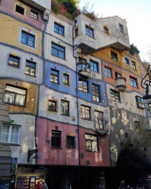 Prozkoumávání Vídně ⛲🏚️ #vienna #hunderwasserhaus #fountain #garden #viden #housedesign