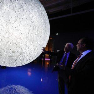 """Kunst- und Kulturminister Alexander Schallenberg eröffnete heute die Ausstellung """"Der Mond. Sehnsucht, Kunst und Wissenschaft"""" im Naturhistorischen..."""