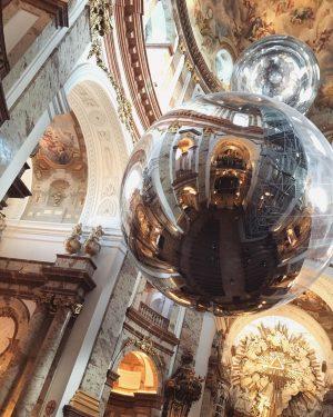 Contemporary & Baroque ✨ #karlskirche #wien #vienna #austria #baroque #takemetochurch #tomassaraceno Karlskirche, Wein