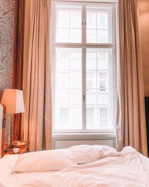 Semana começando cheia de preguiça, friozinho, do jeito que eu gosto, no hotel ...