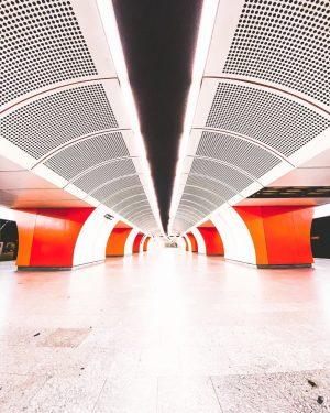 Westbahnhof • • • #wien_love #viennagoforit #viennanow #meinbunteswien #wienstagram #wienliebe #viennamood #vienna_go #topviennaphoto #1000thingsinvienna #1000thingsinaustria #viennaclassics #austriavision...