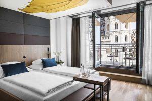Nach großem Umbau ist das @hotelamstephansplatz seit dem Sommer um zahlreiche Finessen reicher! 😍 Die Zimmer und...