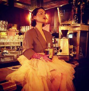 Shooting in der Loosbar für Kräuterschnaps! #schönstelocation #americanbar #loosbarvienna #loosbarwien #loosbar #kräuterschnaps #viennagood #viennabars #cocktails🍹 #cocktailbar Loosbar