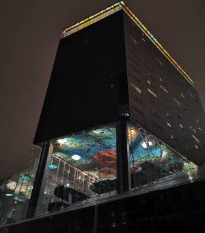 Mon hôtel (extérieur de nuit) (si beau) (si original) 🌃 #sovienna #hotel #vienne #autriche #austria🇦🇹 #sofitelvienna #travelphotography...