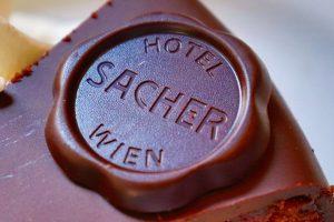 ホテルザッハーのザッハトルテ! #hotelsacher #hotel #cafe #sacher #sachertorte #wien #vienna #austria #chocolate #travel #海外旅行 #旅行 ...