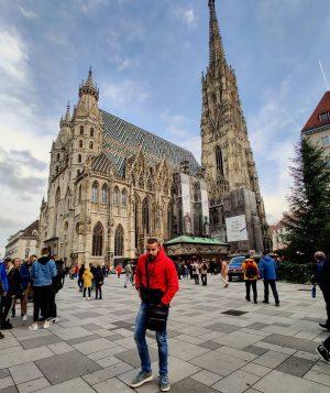 Spontana prava 📸😜🤣 . . . . . #vienna #wien #austria #österreich #stephansdom #stephansplatz #ShotOnOnePlus #OnePlus7Pro St...