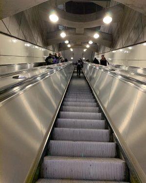 #subway #subwaystation #subwayphotography #subwaygram #ubahn #ubahnwien #rolltreppe #rolltreppen #rolltreppeaufwärts #escalator #escalatorshot #escalatorride #escalatorpics ...