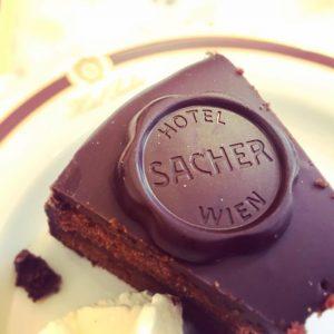 #sacher #sacherhotel #vienna #torta #cake #chocolate #cioccolato #sachertorte #sweet #dolce #perfection #money #relax ...