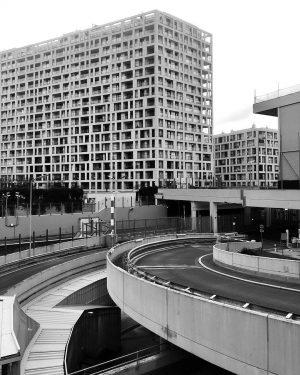 #bnwphotography #bnw #architecture #architecturephotography #vienna Austria Center Vienna
