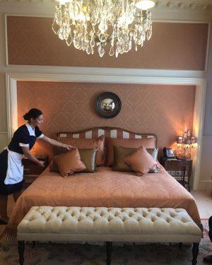 Just wonderful. #bedding #bedroom #housekeeping #grandhotelwien #grandhotelwienaustria #lhw #lhwtraveler #luxurytravel #vienna #vienna_city #viennaaustria #vienna_go #viennahotel #viennablogger Grand...